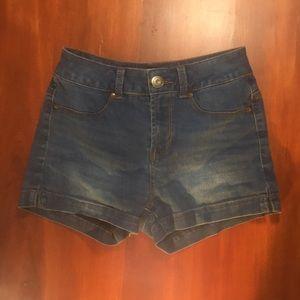 Shorts, light wash